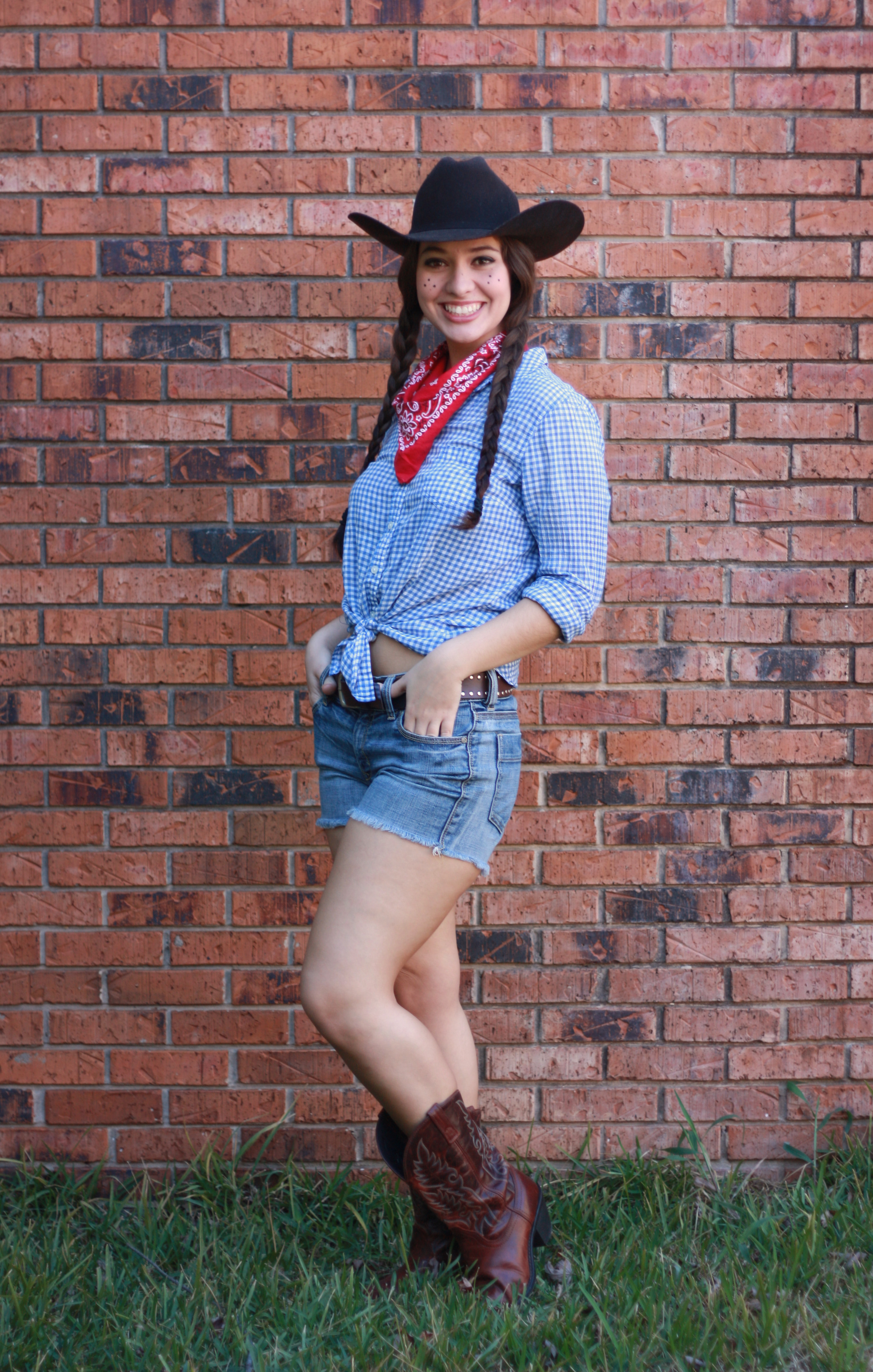 Easy Cowgirl Costume!